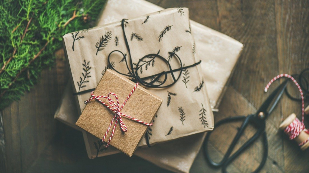 Gift Ideas for Seniors with Dementia or Alzheimer's